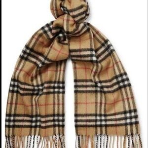 Accessories - Burberry colored fall//autumn scarf